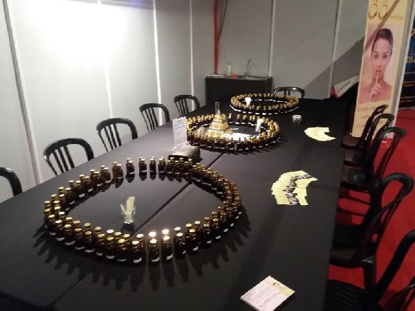 Nos ateliers de parfums sont MOBILES ... nous nous déplaçons partout en Belgique et à l'étranger pour des soirées privées, des anniversaires, évènements, Team Building, ...